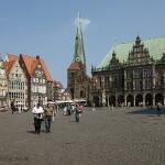 Marktplatz und altes Rathaus